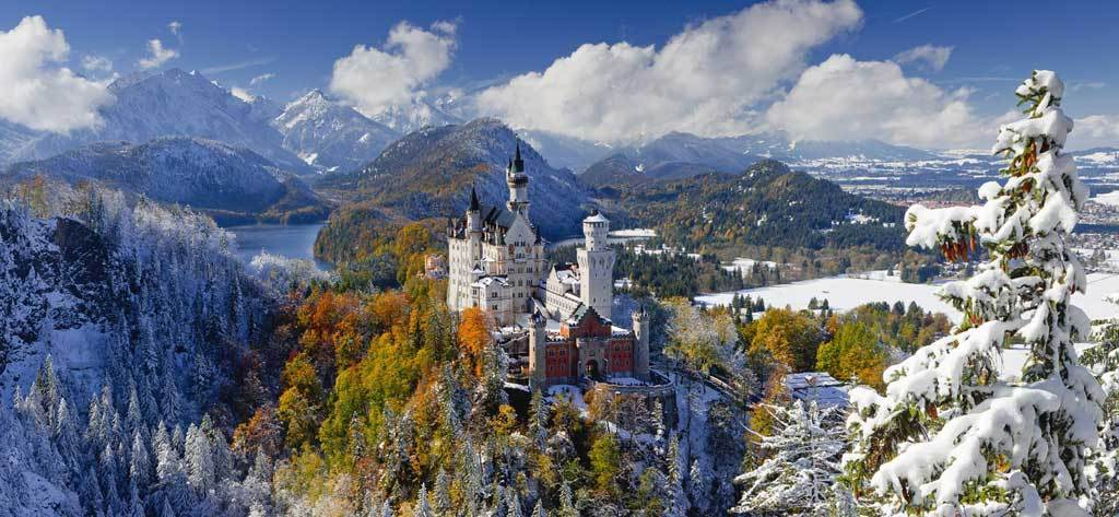 Neuschwanstein Castle  - 2000pc Panoramic Jigsaw Puzzle By Ravensburger