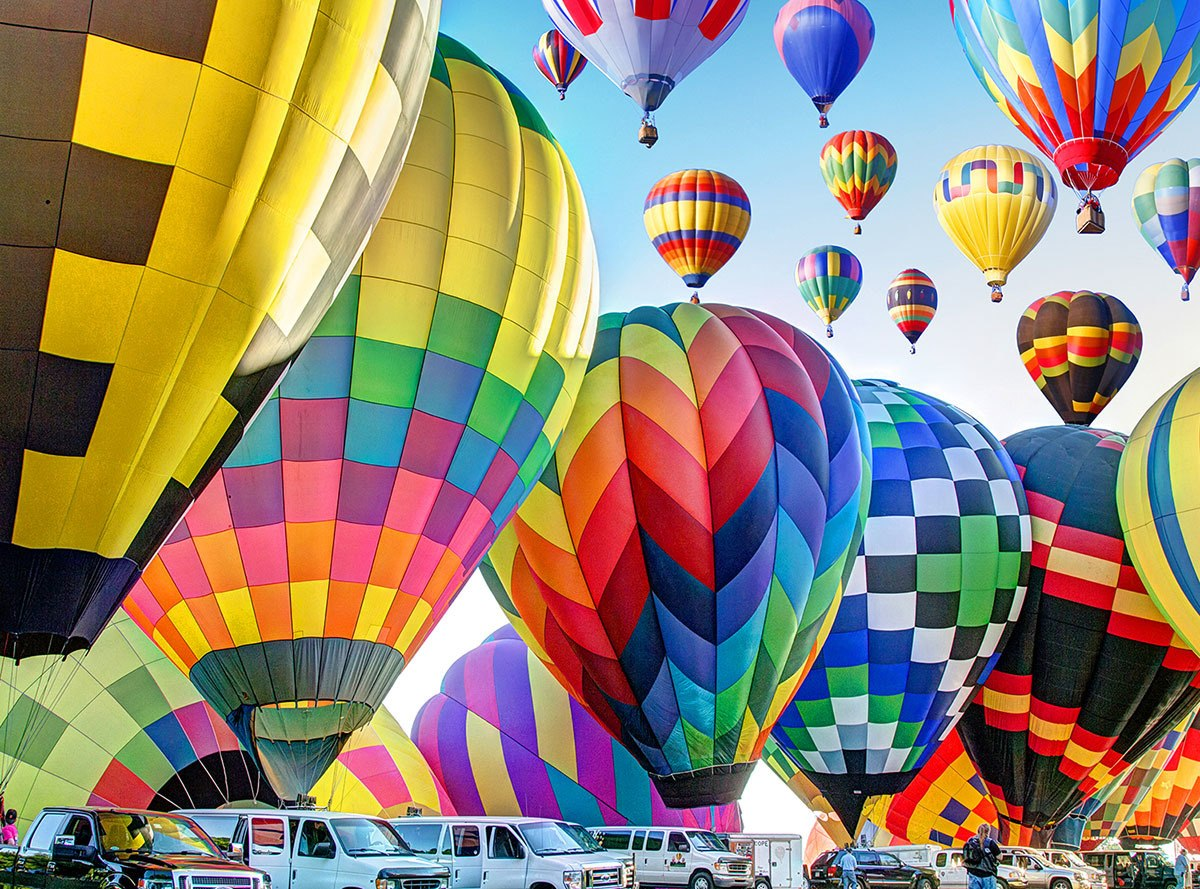 Kodak: Hot Air Balloons Inflate on the Ground, Michigan - 350pc Jigsaw Puzzle by Lafayette Puzzle Factory  			  					NEW