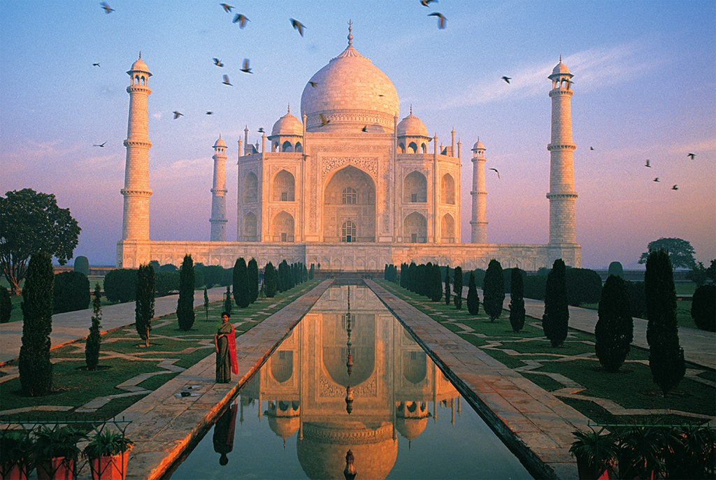 Taj Mahal, India - 1000pc Jigsaw Puzzle by Tomax