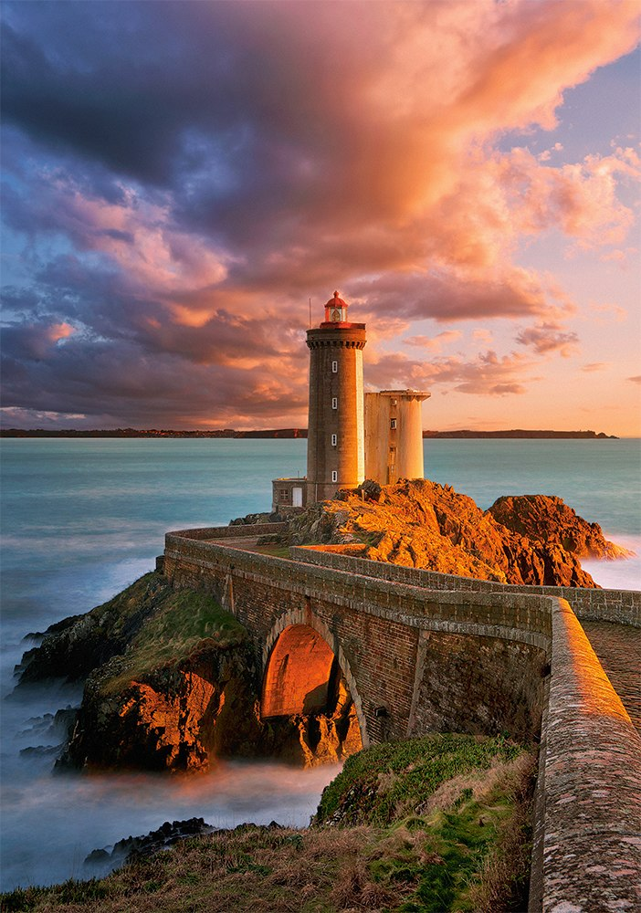 The Lighthouse Petit Minou, France - 500pc Jigsaw Puzzle By Castorland